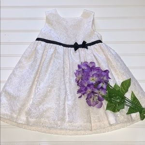 CARTERS WINTER WHITE FLORAL LACE DRESS 12 MOS